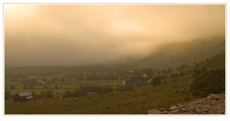 Anfang einer Nebelwand - Lofoten