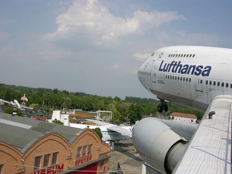 Anflug auf Speyer - Die Frisur hält