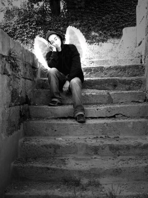 Ange dans l'éscalier