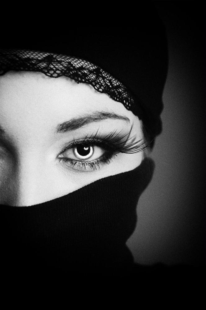 (%/) Angel eyes