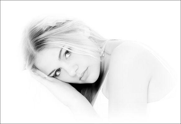 Angel Eyes [Nina #3]