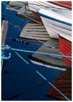 Angelboote im Hafen