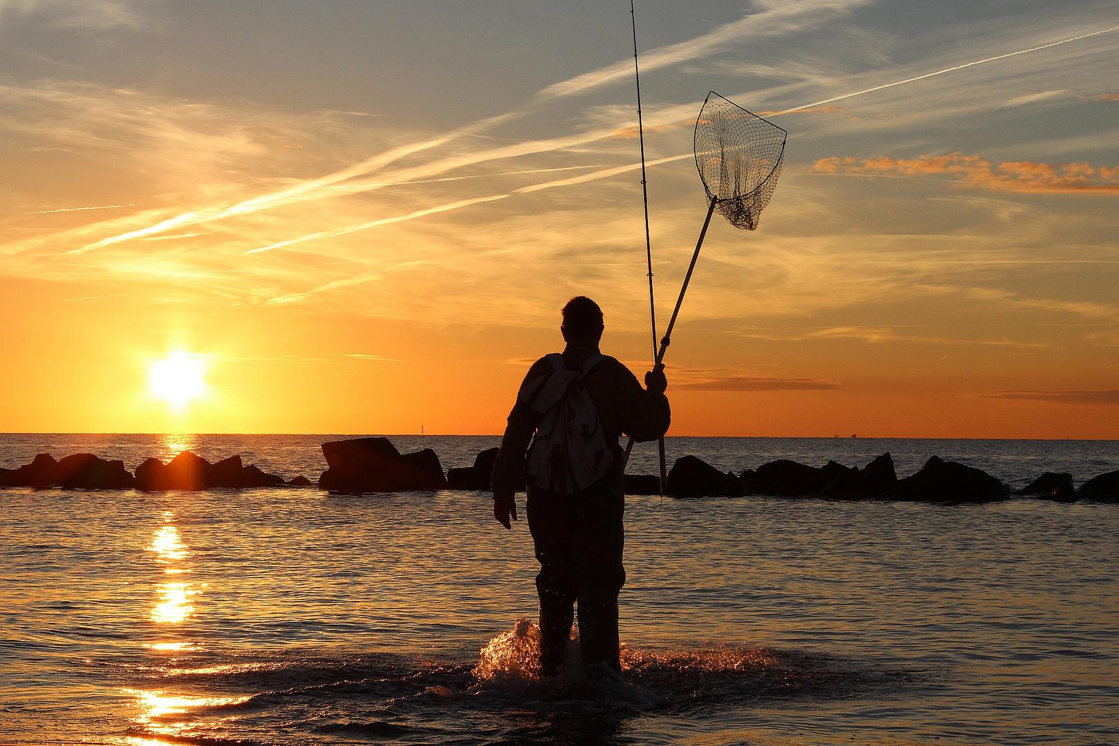 angeln in den Sonnenuntergang ...