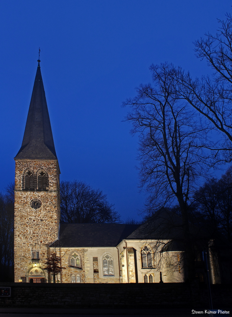 Angestrahlte Ev. Kirche Kamen-Heeren