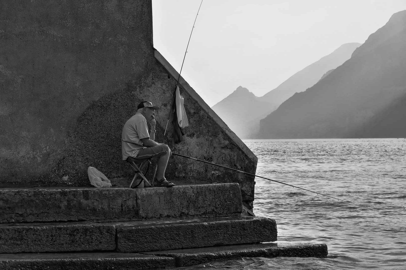 Angler am Gardasee S/W