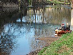 Angler an der Vézère