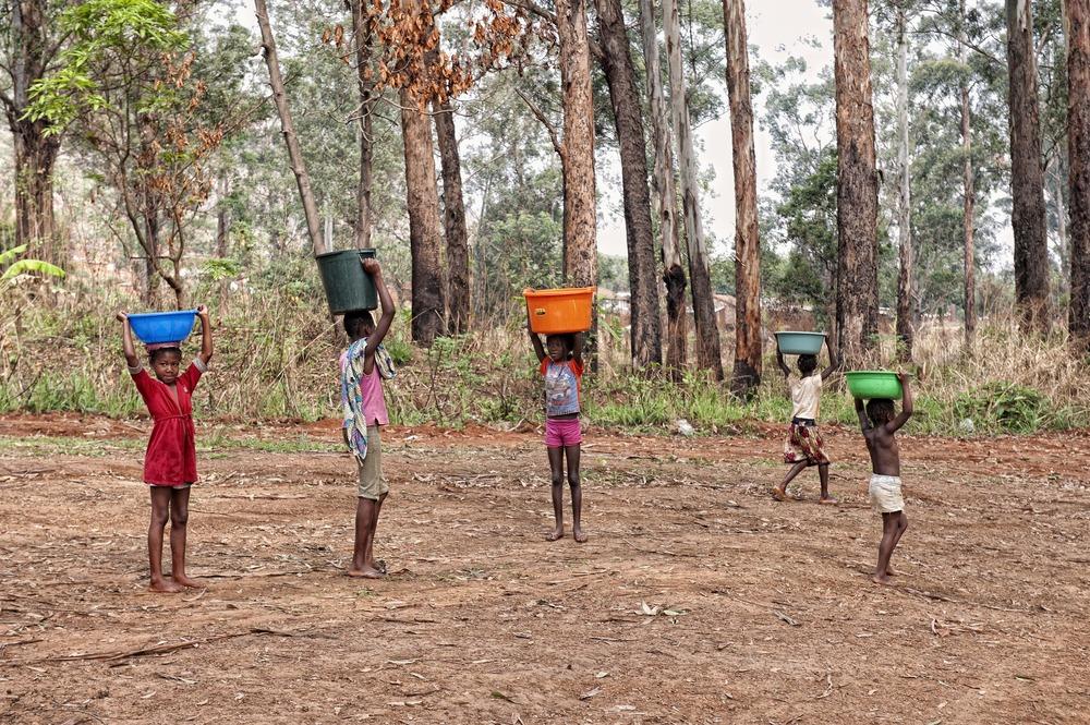 ANGOLA RENACE: Agua a diario