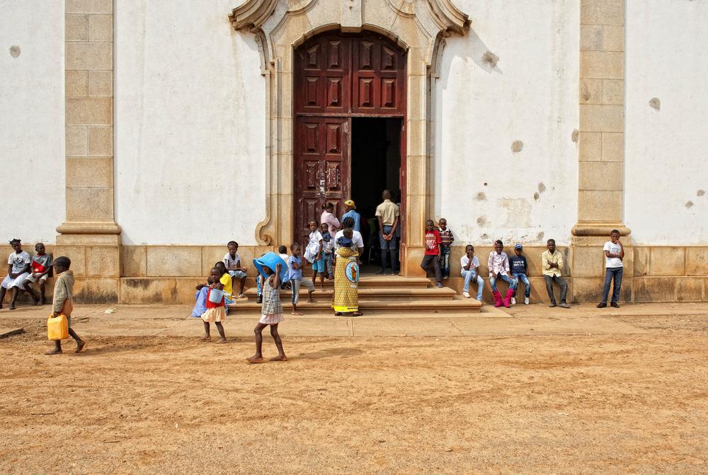 ANGOLA RENACE: En Misa