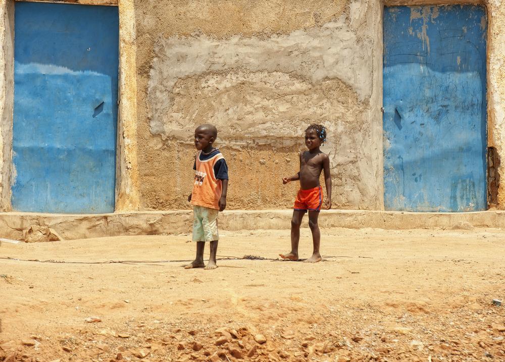 ANGOLA RENACE: Las puertas