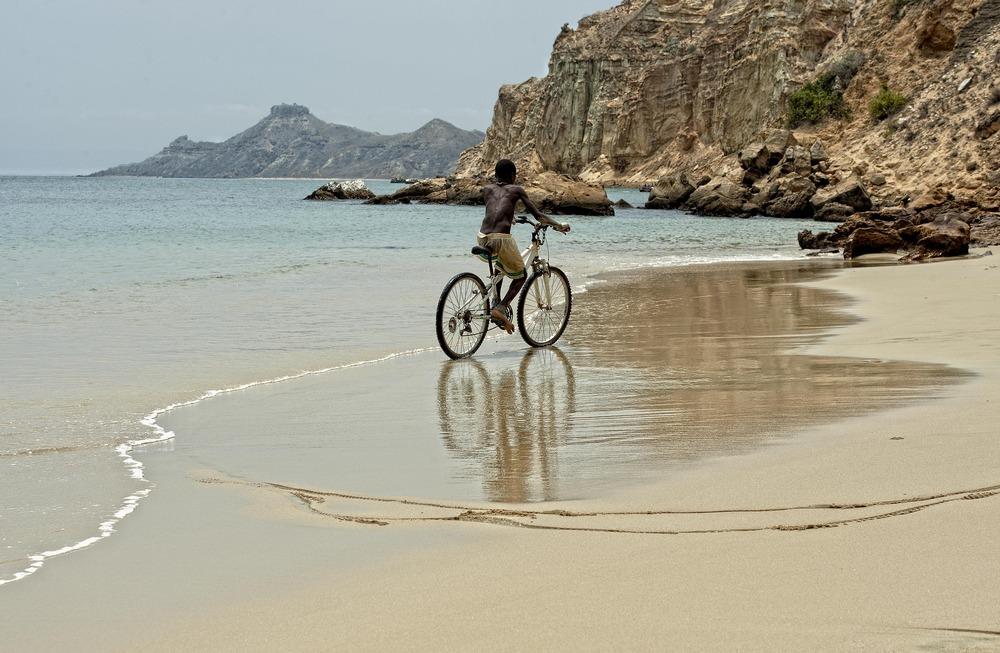 ANGOLA RENACE: Paseo acuático