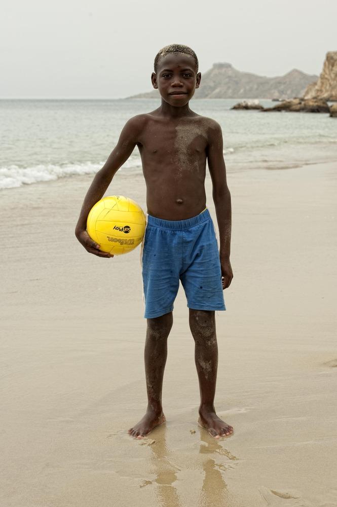 ANGOLA RENACE: Todo un futuro por delante
