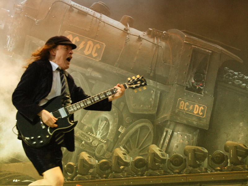 Angus McKinnon Young - ACDC live in Dresden