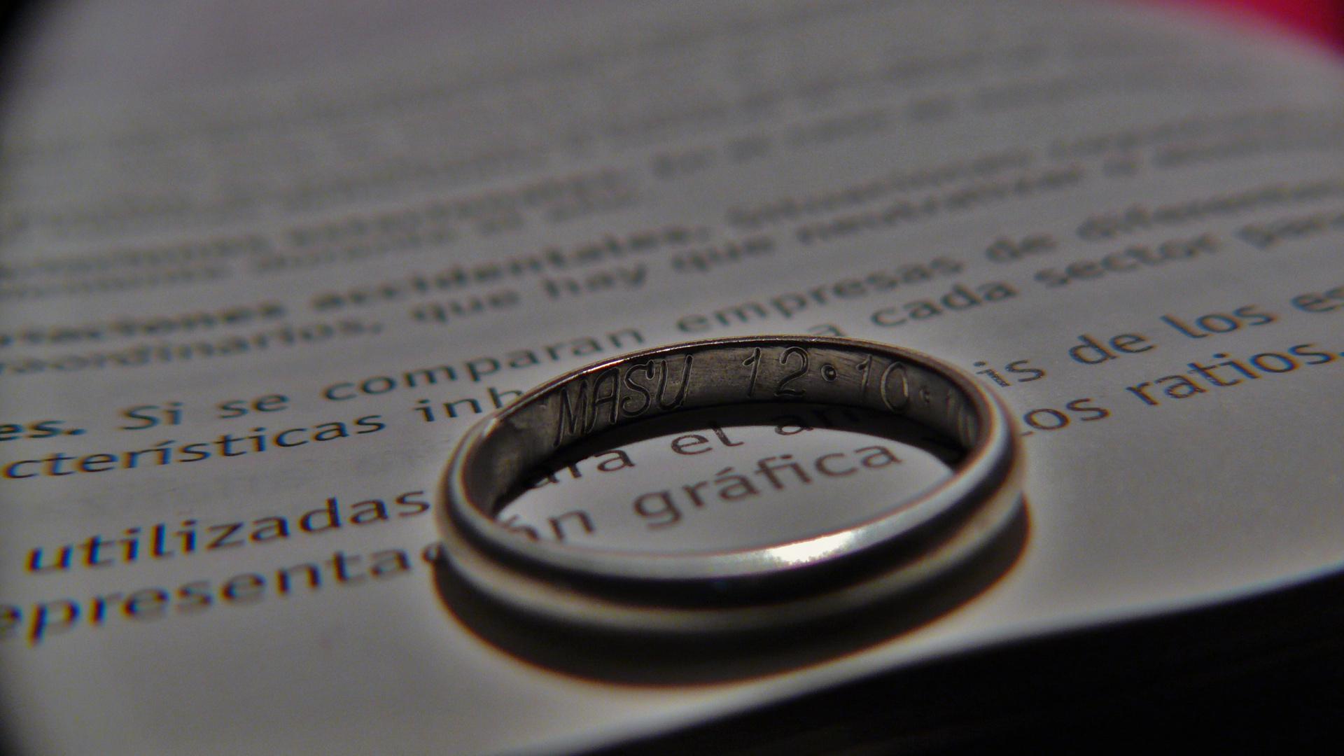 anillo...