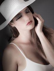 Anita mit Hut 2