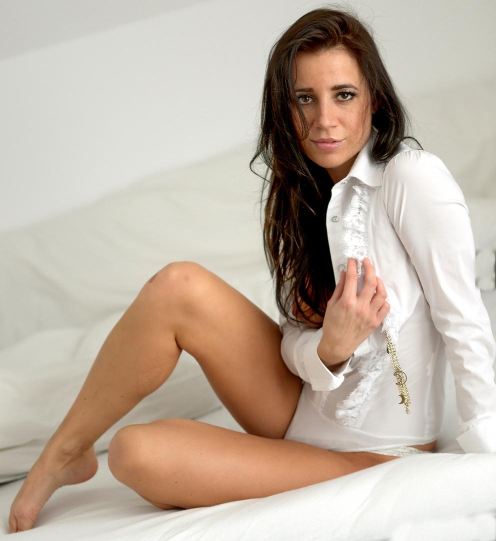 ANJA in weiß