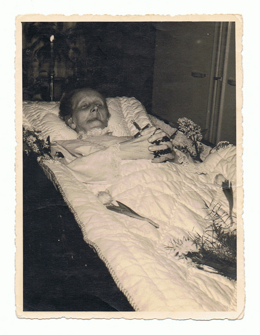 (Anna) KATHARINA DOEVENSPECK, geb. BENS (14.2.1868 - 15.1.1935)