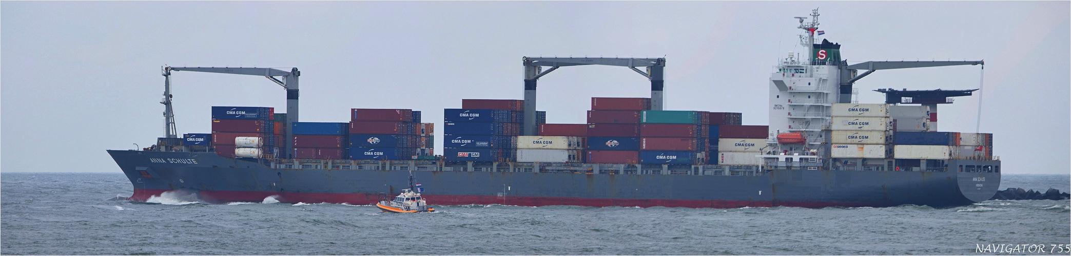 ANNA SCHULTE / Container Vessel / Rotterdam / Bitte scrollen!