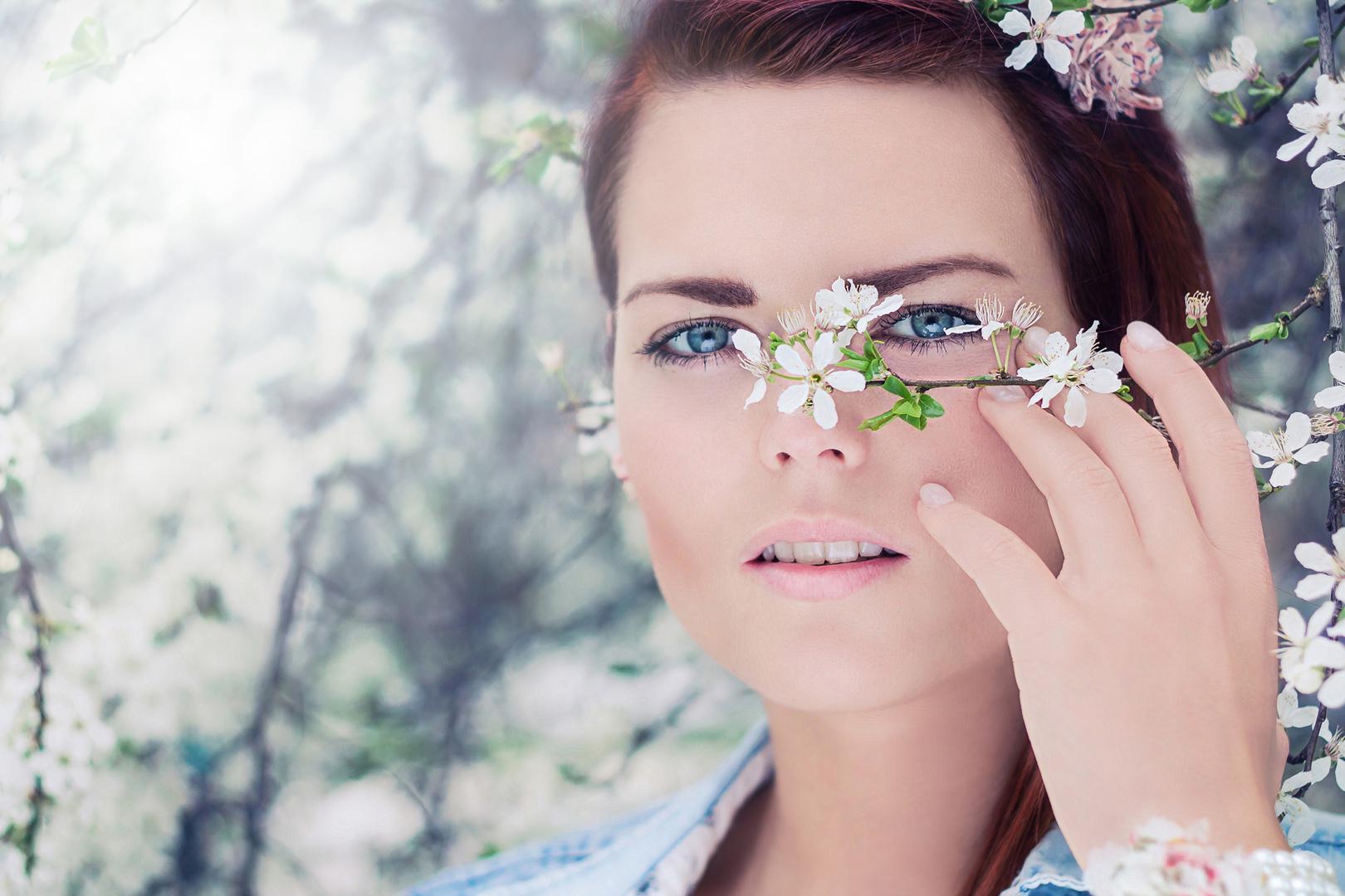 Anne mit Blüten