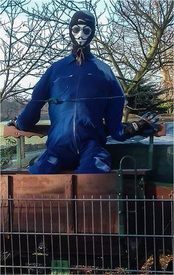 Anonymous auf dem Kutschbock