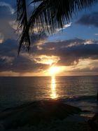 Anse Source de Argent im Sonnenuntergang