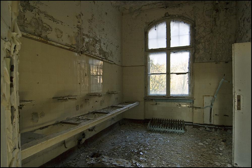 Anstaltsarchiv [2]: Verlassene Waschplätze