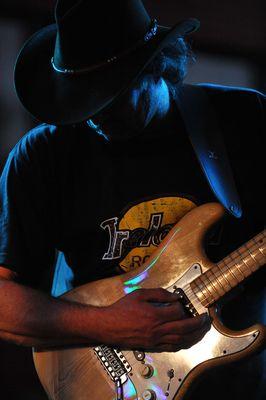 Antek Nowacki mit Stratocaster