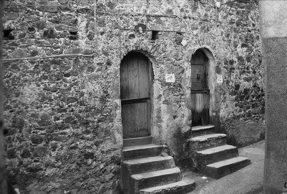 Antiche porte di casa.