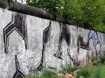 """""""Antifaschistischer Schutzwall"""" anno 2004"""