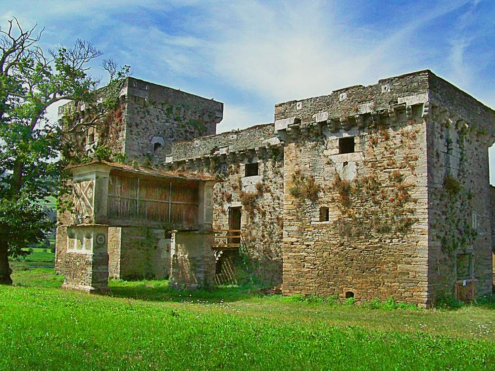 Antiguo pazo cerca de mondoñedo