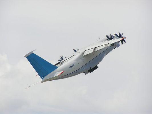 Antonov-70 Ein wirklich dicker Brummer hebt ab