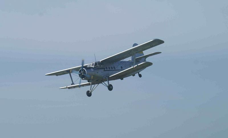 Antonov AN 2 im Landeanflug