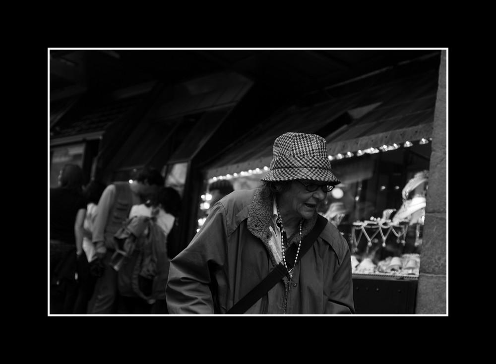 Anziana sul Ponte Vecchio