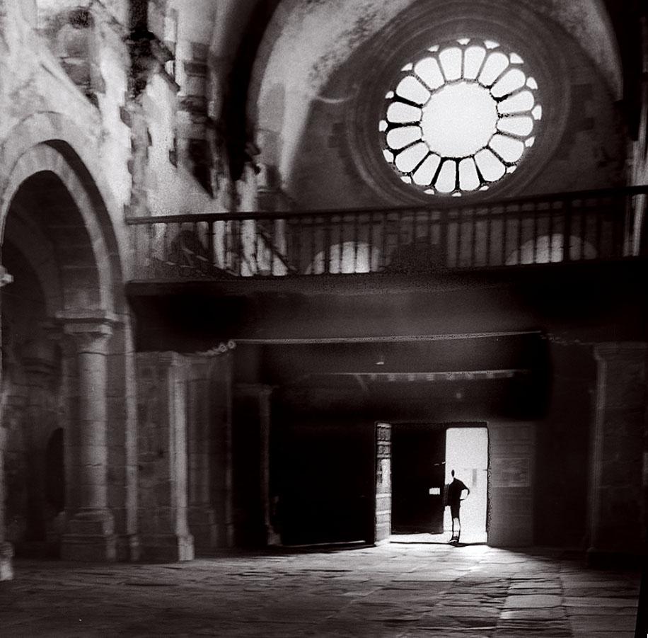 Año 1,964, Interior de la iglesia románica de Castroverde.