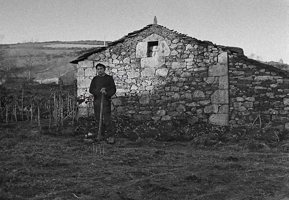 Año 1.965-El labrador y su casa.