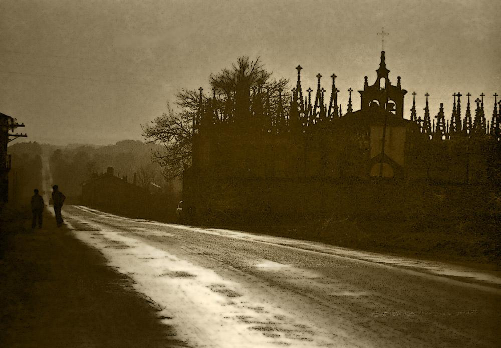Año 1.970. Cementerio en la ruta