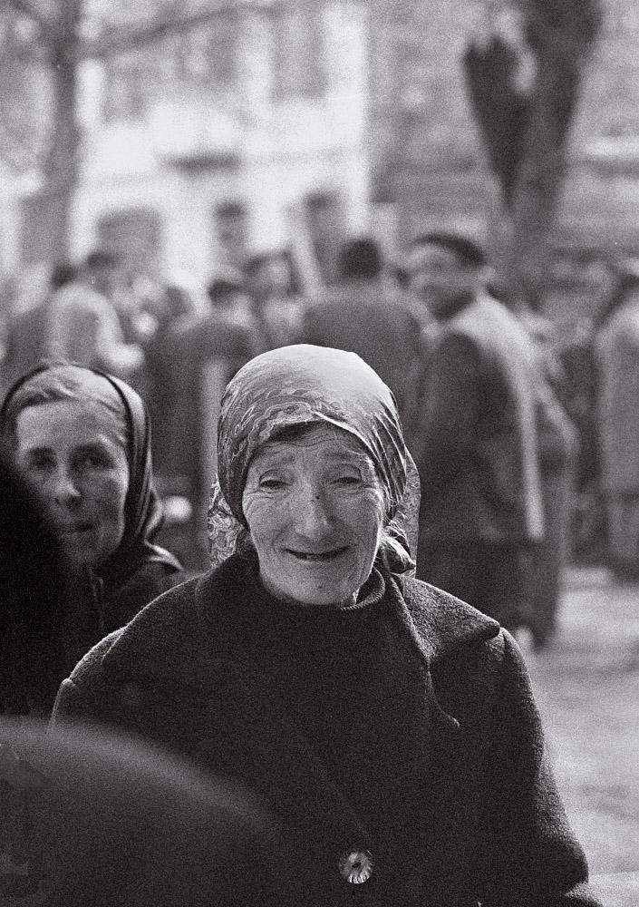Año 1.970-Gentes en el desaparecido Campo de la Feria, de Lugo