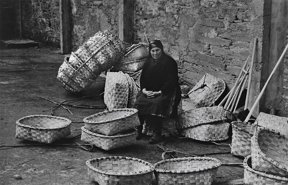 Año 1.975-La cestera