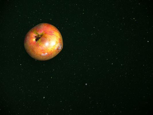 Apfel im All ?