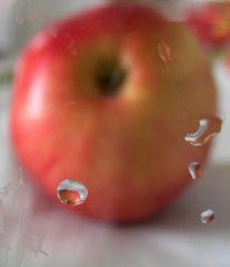 Apfel im Tropfen