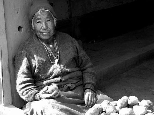 Apfelverkäuferin