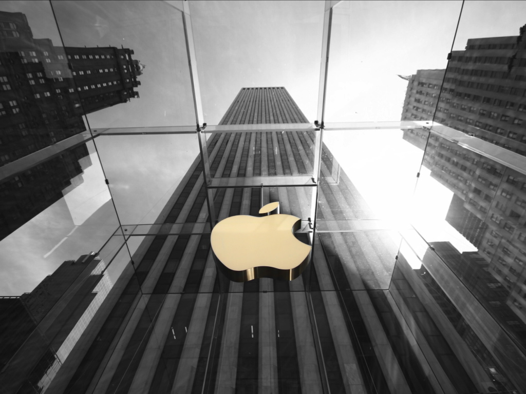 Apple Store & General Motors Building