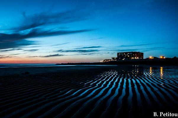 Après un coucher de soleil sur le CERS de capbreton