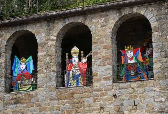 [apricale*]