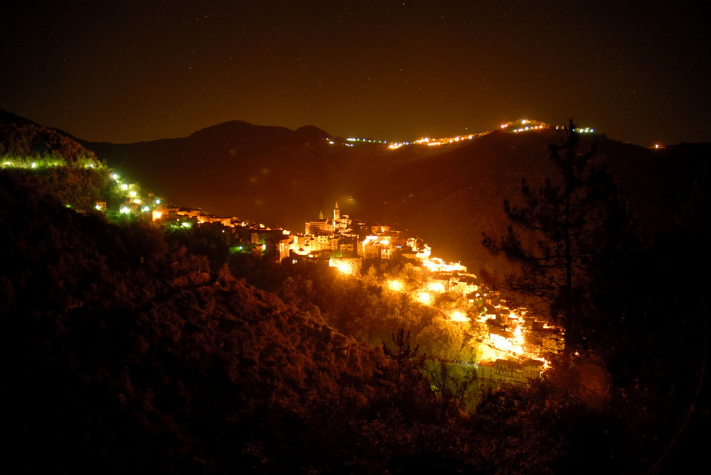 Apricale at night
