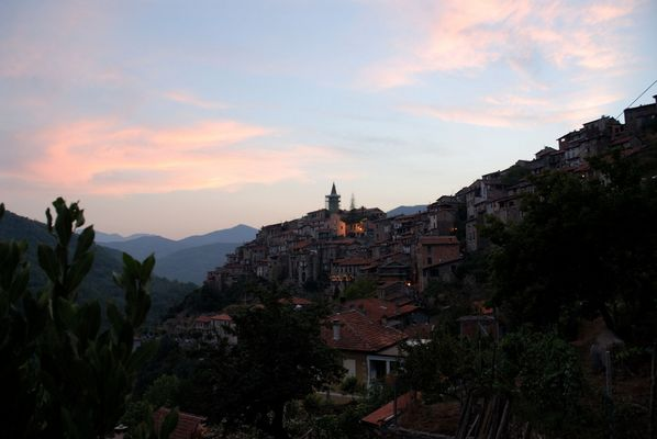 Apricale early night