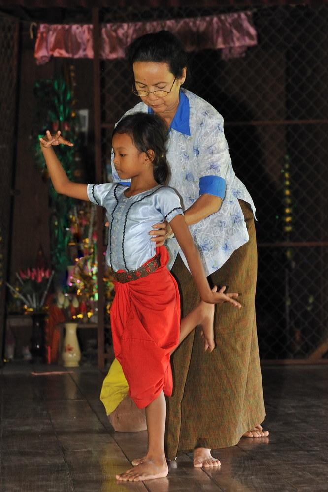 Apsara Dance Class 02