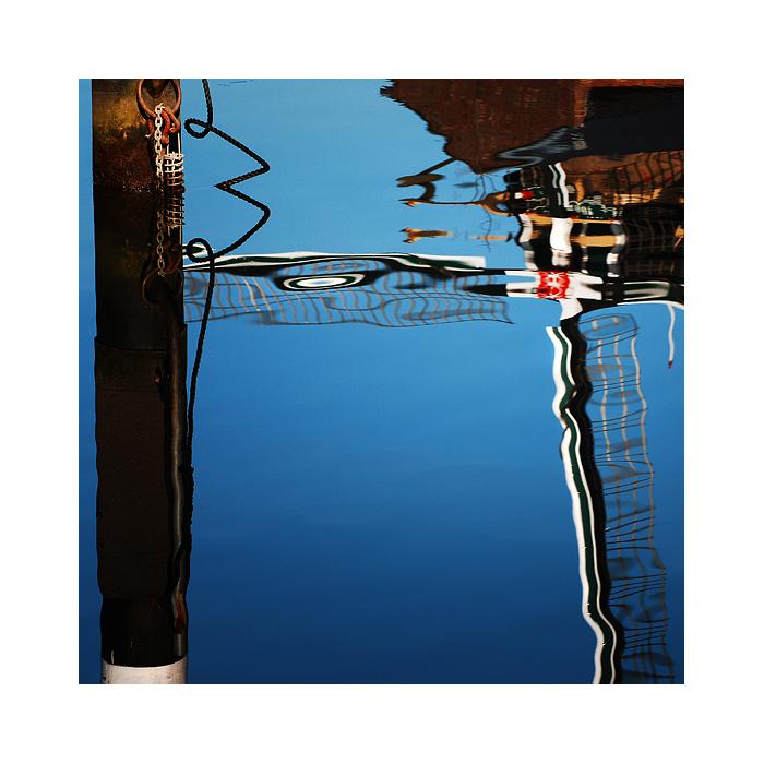 Aqua~Art~70
