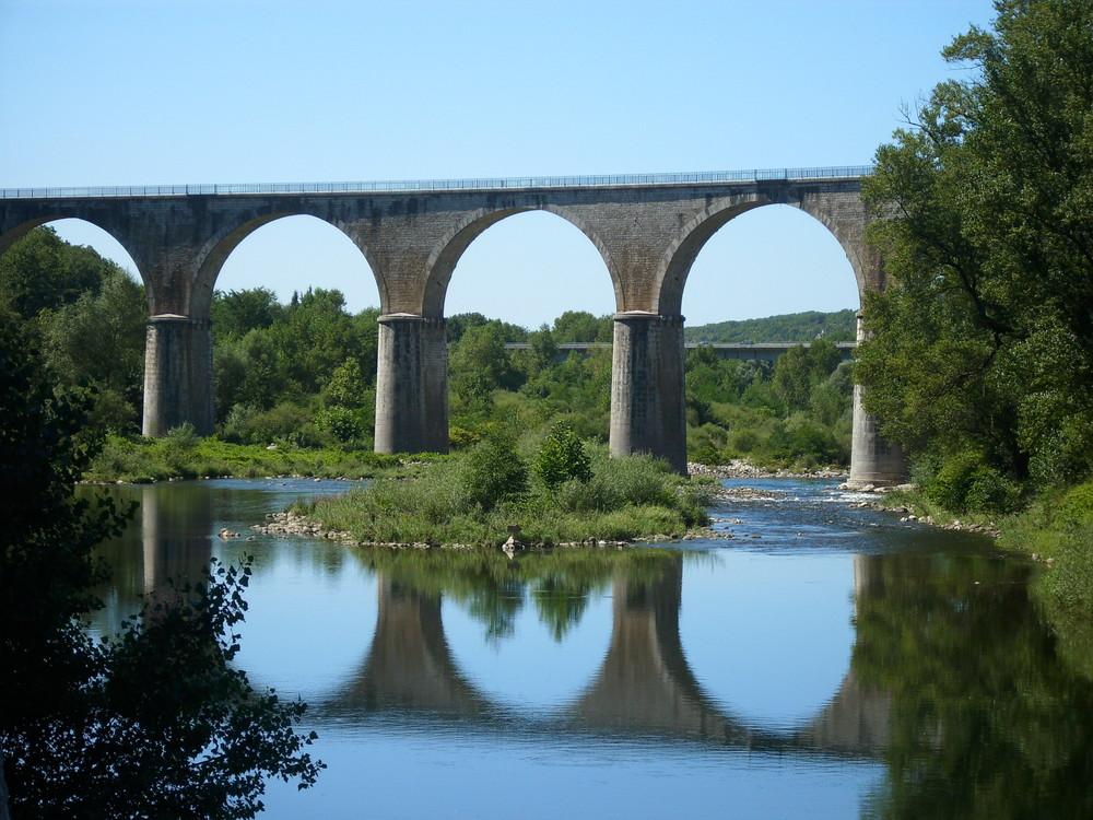 Aqueduc de Vogüe (Ardéche)