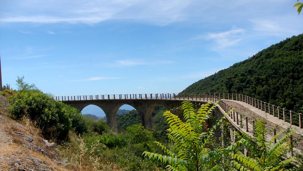 aqueduc du Castillon