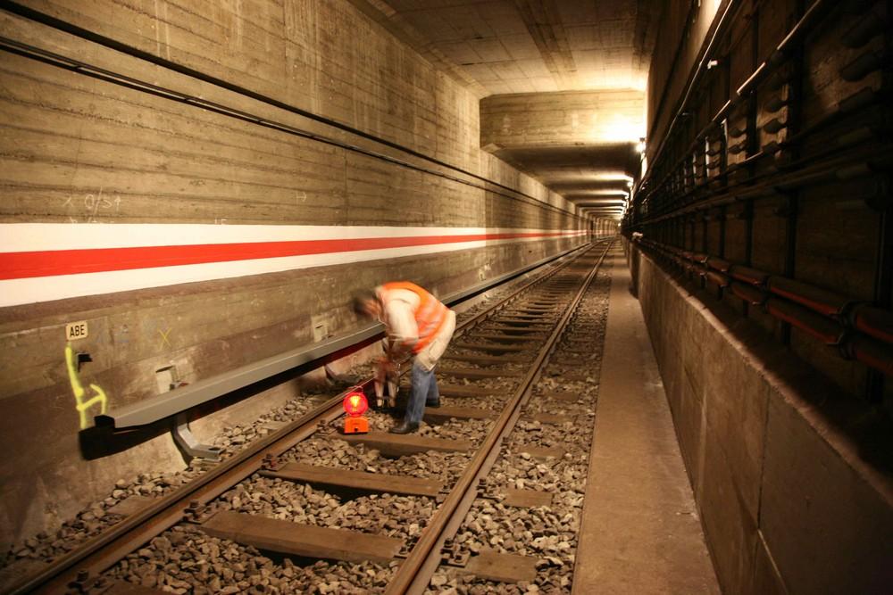 Arbeiten im U-Bahntunnel